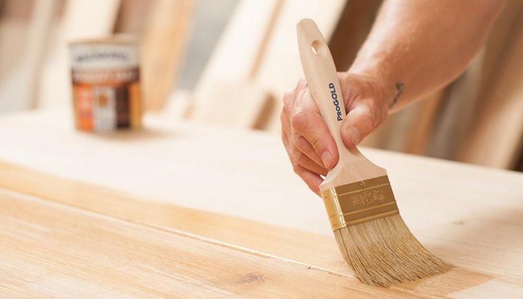 Ako natrieť drevenú podlahu
